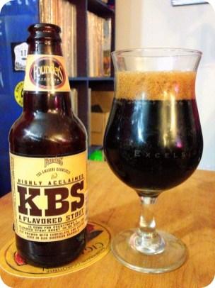 6. Founders Brewing Co. KBS - Kentucky Breakfast Stout. To temno pivo varijo v Michiganu (ZDA). Ocena: 4.29/5