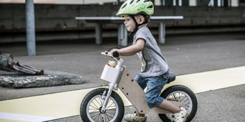 Miilo v začetni fazi nima pedal. Ko otrok nekoliko zraste, pa mu 'zrastejo' tudi ta.