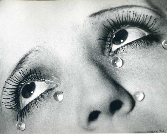 Eno najslavnejših Man Rayjevih fotografskih del ''Solze''