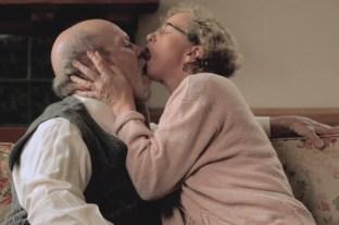 Nenatančnost – Uberite zmeren tempo in dobro ciljajte ''tarčo''. Definicija poljub je dotik z ustnicami, ne ustnice z brado.