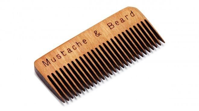 Wooden Whisker Comb - lesen glavniček za brke in brado.