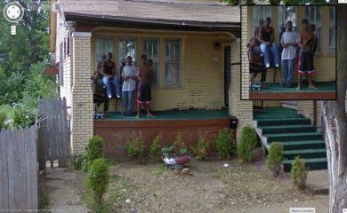 Detroitska, do zob oborožena banda.