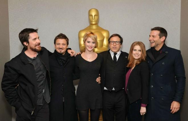 Zasedba filma Joy, v kateri so med drugim  Jennifer Lawrence, Bradley Cooper in Robert De Niro.