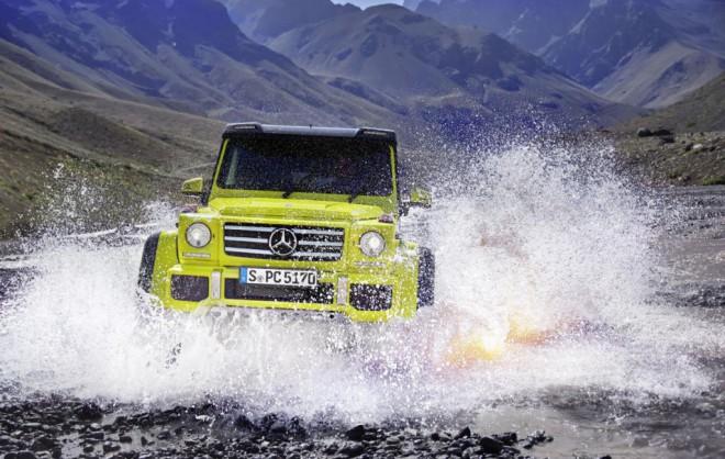 Mercedes-Benz G 500 4×4² si pokori še tako zahteven teren.