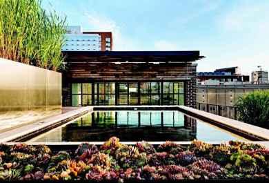 186 kvadratnih metrov terase z ogrevanim bazenom, New York
