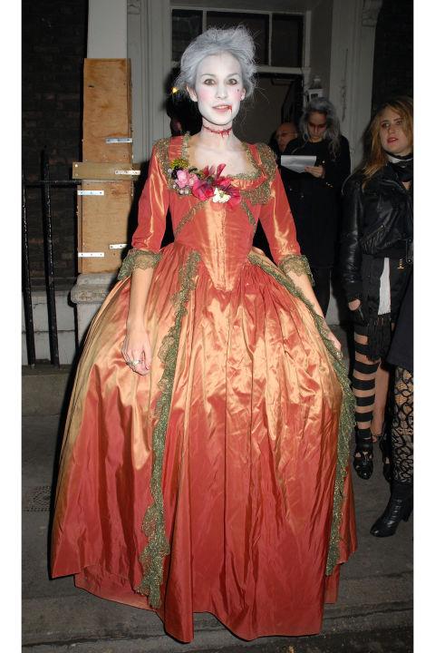 Alexa Chung kot mrtva Marie Antoinette