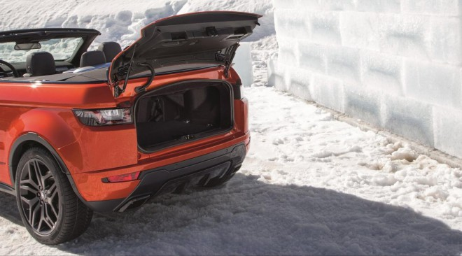 Range Rover Evoque Convertible ponuja tudi precej prtljažnega prostora.