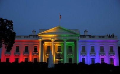 1. mesto: Bela hiša po odločitvi ameriškega ustavnega sodišča, da dovoli poroke istospolnim parom