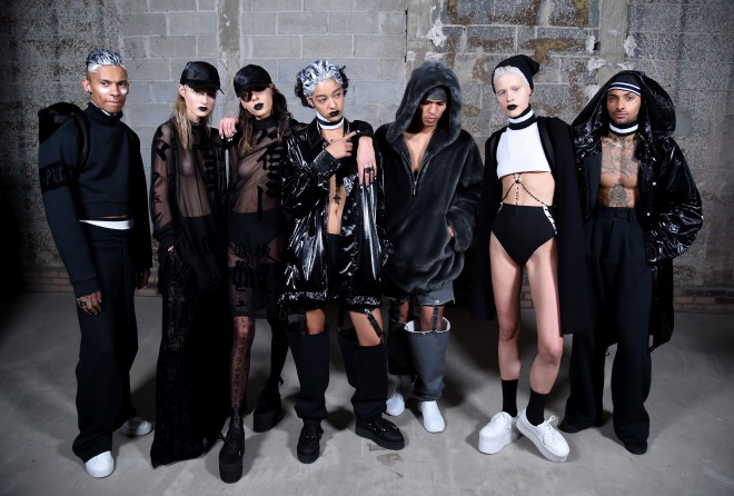 Modeli, ki so se po modni brvi sprehodili v oblačilih in čevljih Rihannine kolekcije Fenty X Puma.