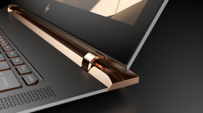 Prenosnik HP Spectre po teži prekaša vso konkurenco.