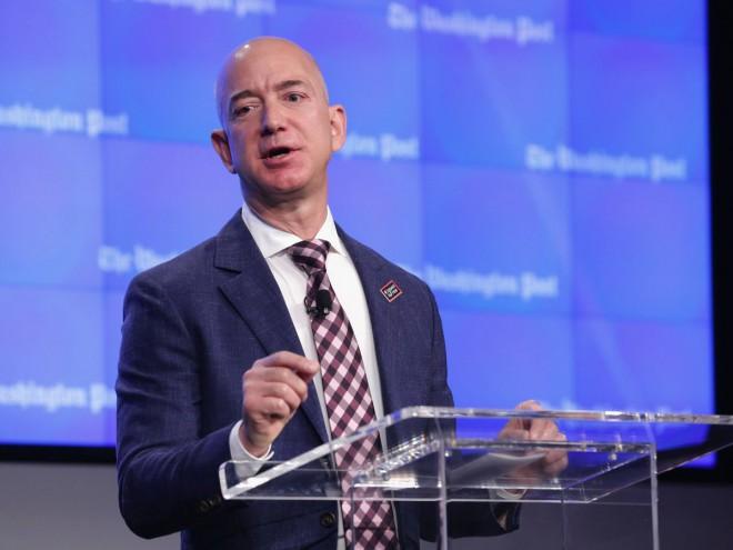 Jeff Bezos je opravljal imenitno službo na področju financ (Foto: Chip Somodevilla/Getty Images)