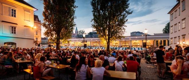 Prihaja poletni Pivo & Burger Fest.