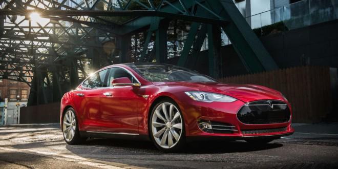 Tesla Model S ima novo, 100 kWh baterijo.