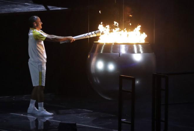 S prižigom ognja so se olimpijske igre Rio 2016 uradno odprle.