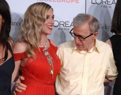 Woody Allen in Scarlett Johansson