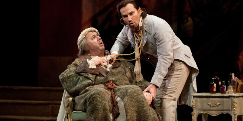 Don Pasquale je komična opera o ljubezenskih zapletih