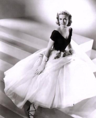 Grace Kelly – Dvoriščno okno (1954)