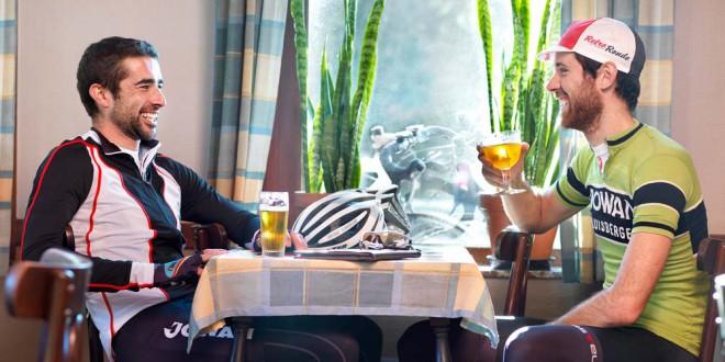 Po kolesarjenju se pogosto prileže pivo.