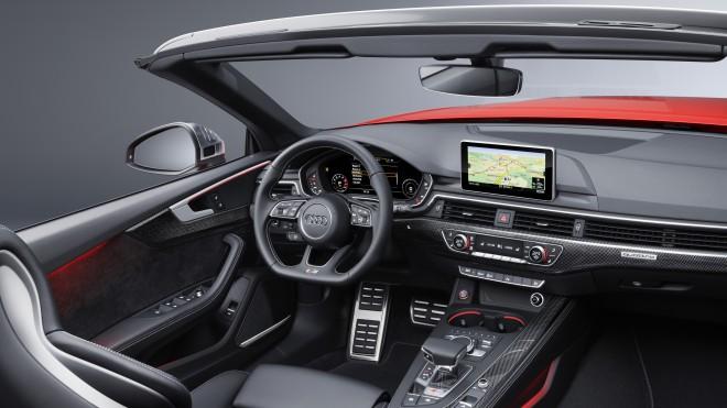 Na zaslonu bomo lahko koristili tudi aplikacije pametnih telefonov (Android Auto in Car Play).