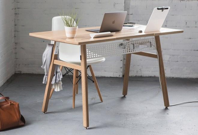 Pisalna miza Artifox Desk 02. Cena: od 840 evrov.