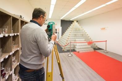 Najvišje steklene 3D-puzzle na svetu v obliki piramide