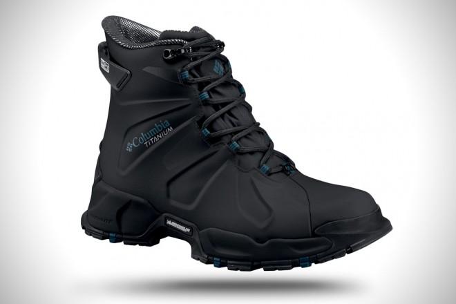 Vrhunski pohodniški čevlji Columbia Canuk Titanium.
