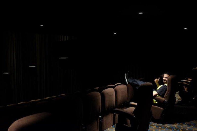 Najprej sta srečo poskusila v kinu.