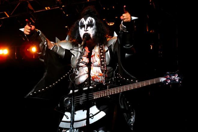 Neumorni Kiss se tudi po 40 letih ne umirjajo.