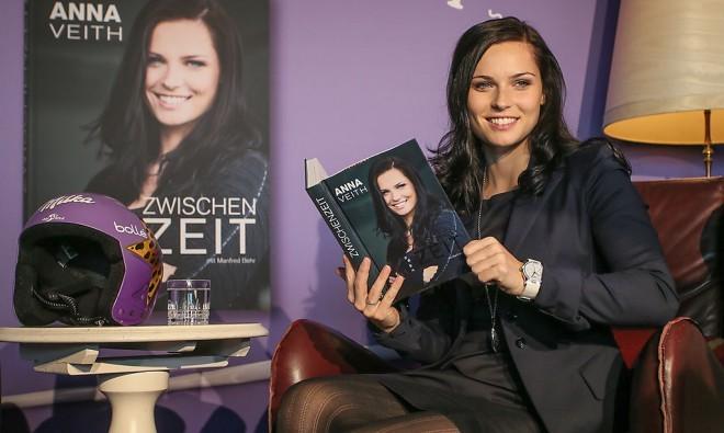 Anna Veith in njega biografska knjiga Zwischenzeit.