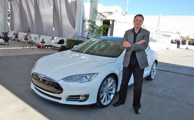 Elon Musk postavlja nove mejnike.