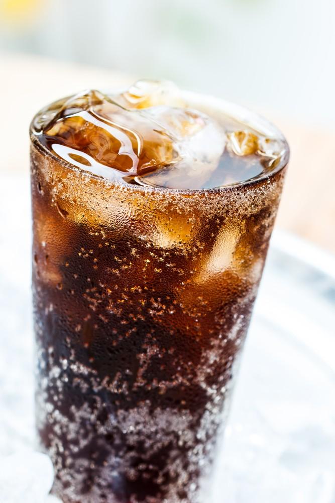 Mehurčke v pijačah ustvarijo antacidi.