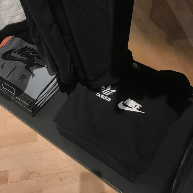 Ob nakupu natikač dobite tudi kratko majico Adidas x Nike.