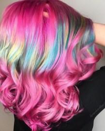 """Ženske frizure 2017: """"shine line hair""""– viralni trend barvanja las"""