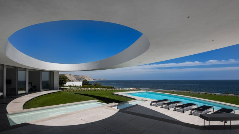 An elliptical seaside residence, Mário Martins arhitekturni biro