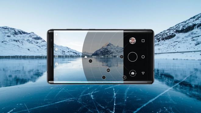Z novim načinom Pro Camera lahko zlahka prevzamete nadzor na vsako fotografijo, ročno nastavite belino, ostrenje, ISO, hitrost zaslonke in osvetlitev.