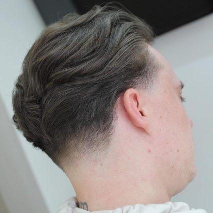 """Frizura """"taper"""" + frizura """"fade"""" na vratu"""