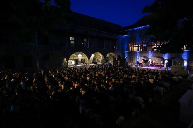 Festival poteka na različnih lokacijah po Ljubljani
