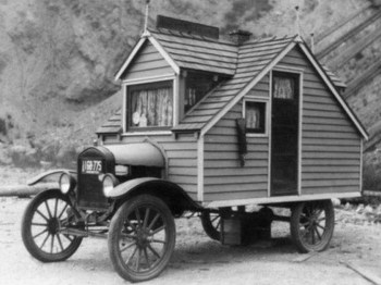 1926: Hiša na kolesih