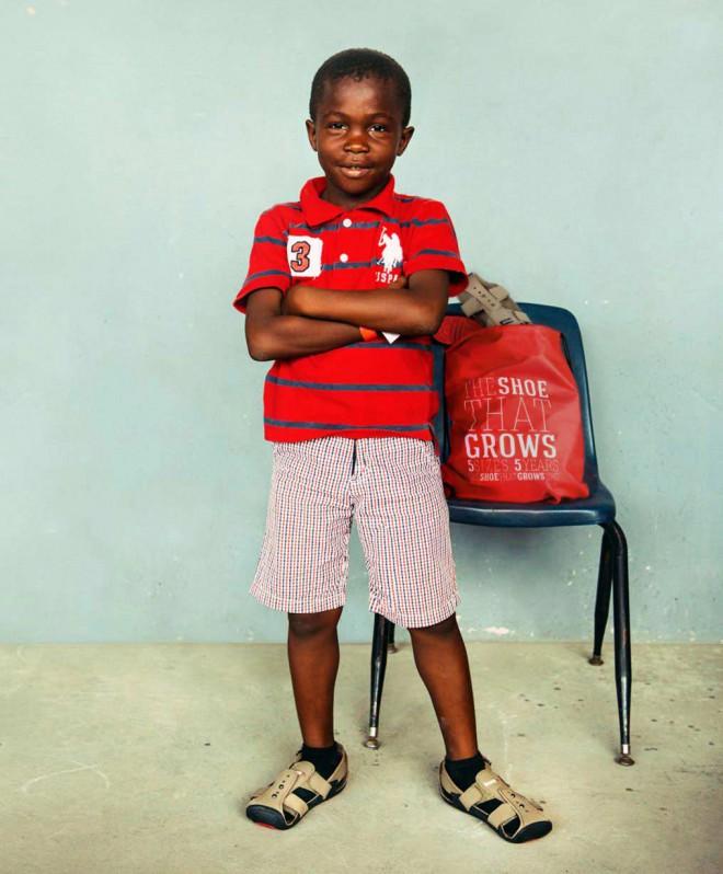 Čevlji z otrokom rastejo 5 do 6 let.