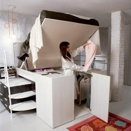 Postelja in omara v enem