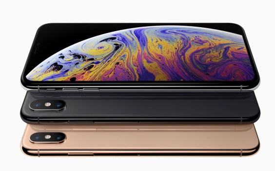 iPhone XS Max in XS
