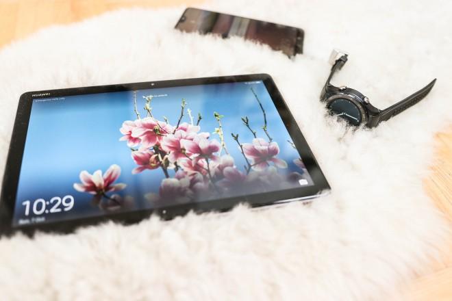 Ekosistem: Pametna ura Huawei Watch + Huawei P20 Pro + Huawei MediaPad M5 Lite
