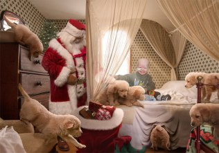 Ti fotografi bolnim otrokom pričarajo nepozabno božično izkušnjo