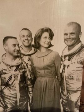 """""""Moja babica z astronavti."""""""