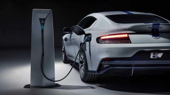 Elektrika v super športnih avtomobilih - pred leti še greh!