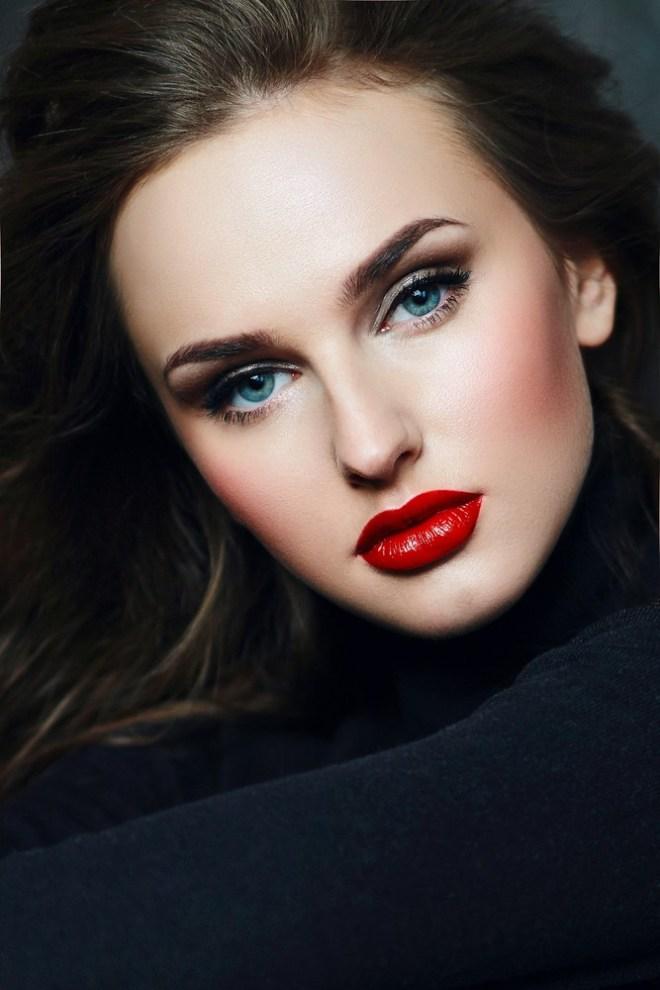 Zmagovalna kombinacija so modre oči in rjavi lasje.