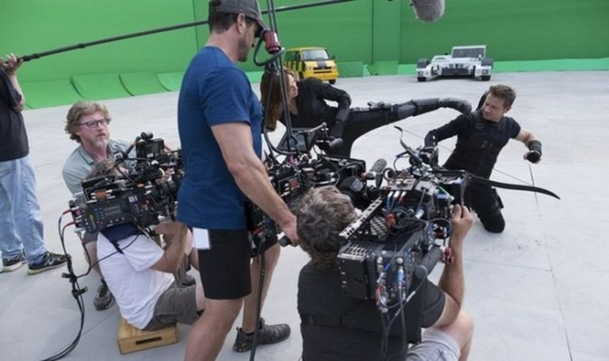 Scarlett Johansson in Jeremy Renner snemata spopad v filmu Stotnik Amerika: Državljanska vojna