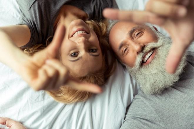 V seksu najbolj uživajo pari v 40-ih.