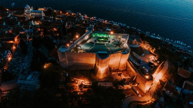 Dimensions, Hrvaška