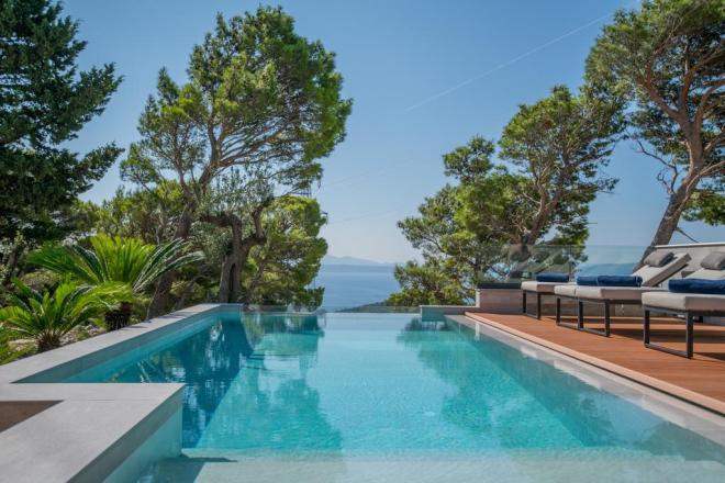 Villa DeLinda - neskončni bazen  s čudoviti razgledom  na Makarsko riviero! (Foto: Booking)